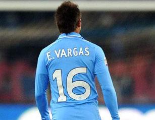 Vargas no cumplió con las expectativas del Napoli y parte a préstamo al Genoa.
