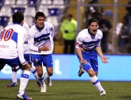 Cristián Álvarez colocó el 3-1 frente a Everton con un verdadero golazo.