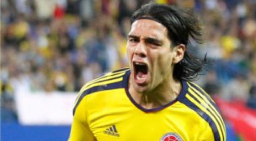 Falcao la sigue rompiendo. El ariete anotó los dos goles con que Colombia venció a Paraguay.