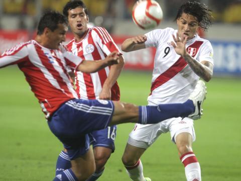 Paraguay y Perú se miden en Asunción con la obligación de ganar.