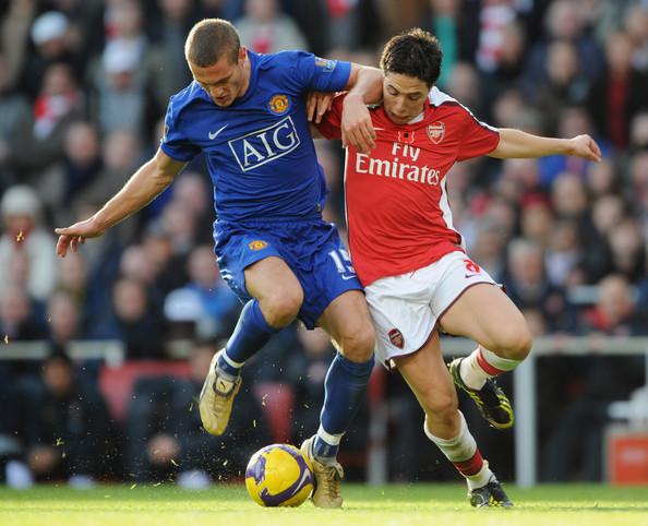 Manchester le ganó al Arsenal y quedó por ahora como líder de la Premier League.