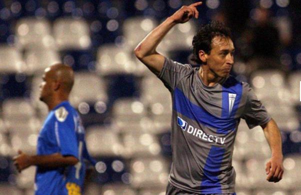 Michael Ríos quiere seguir celebrando goles con la UC, pero en Iquique esperan que compren el pase.