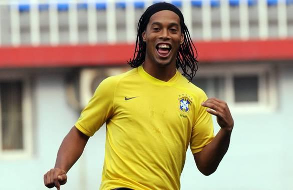 Ronaldinho volvió a ser convocado a su selección tras casi un año de ausencia.