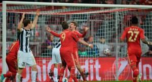 Mandzukic y Muller dieron la tranquilidad al Bayern Munich con sus goles