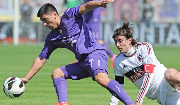 Pizarro anotó de penal el empate de la Fiore ante el Milán.