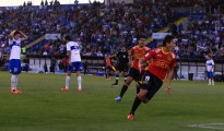 Canales celebra su gol. El delantero est acostumbrado a marcarle a la UC.