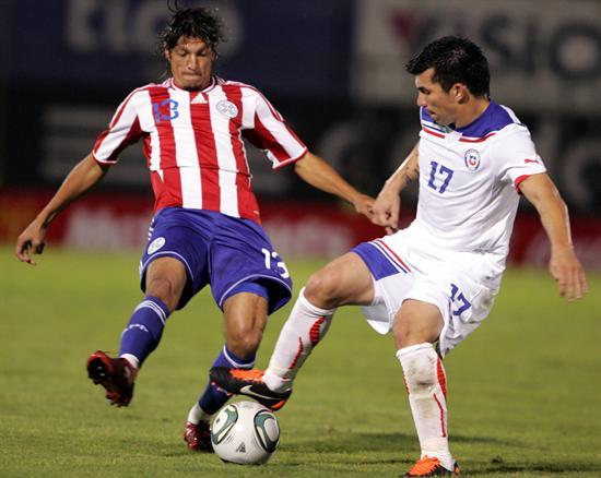 Chile enfrenta a un debilitado Paraguay con la misión de sumar puntos que nos acerque al Mundial.