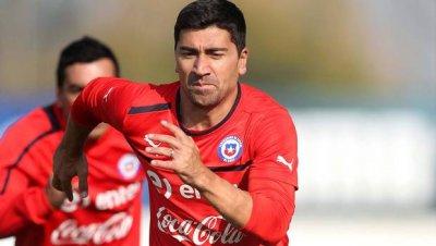 David Pizarro sería el reemplazante de Marcelo Díaz.