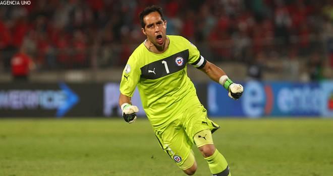 Claudio Bravo considera que es una falta de respeto hablar de que él es el mejor arquero de la historia del fútbol chileno