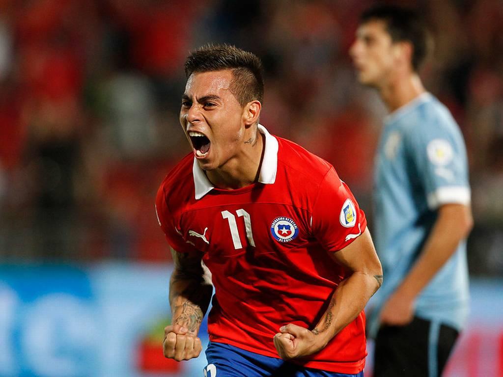 Eduardo Vargas quiere salir primero del Grupo B y derrotar a Holanda
