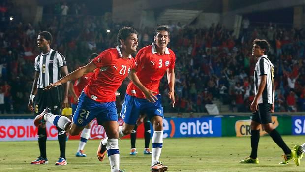 Miiko tuvo una noche de ensueño: debutó, hizo un gol y cantó el himno chileno que tanto había practicado en la semana,