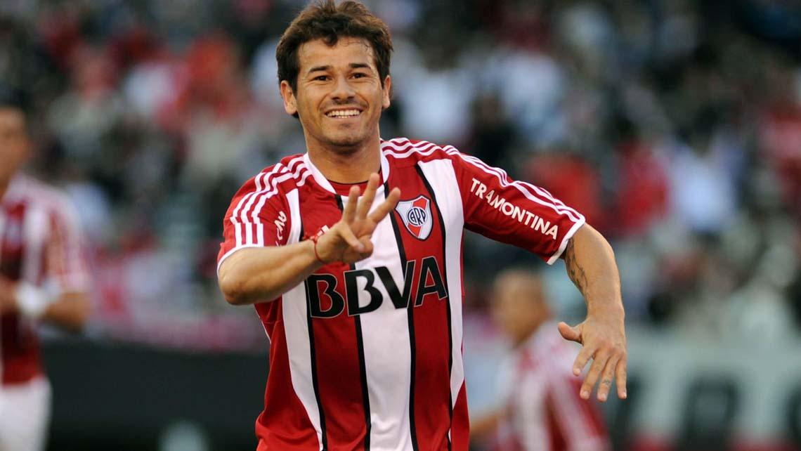 El uruguayo anotó 7 goles en 44 partidos que disputó con la camiseta de River.