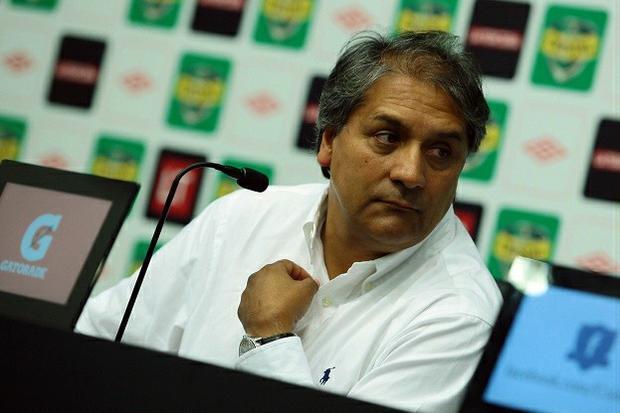 Juan Gutiérrez dijo que los problemas que tenga con Tapia los arreglarán en la interna.