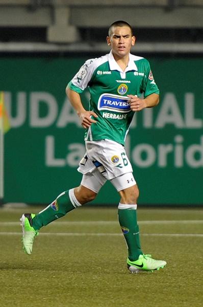 El joven de 17 años hace su primer gol en el profesionalismo ante Iquique.