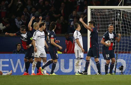 Paris Saint Germain ganó 3 a 0 al Chelsea y quedó con una gran opción de pasar a semifinales.