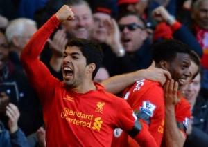 Luis Suárez protagonista del duelo entre West Ham y Liverpool