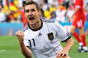 El delantero germano tiene la oportunidad de convertirse en el exclusivo goleador de los mundiales.