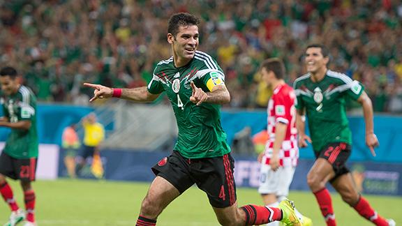 Rafa Márquez inició el triunfo mexicano en Recife.