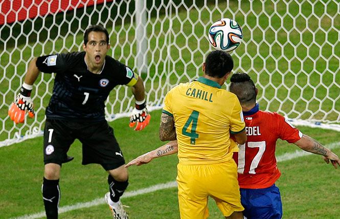 El chileno en general confunde confianza con relajo. Y eso nos puede costar muy caro en la Copa del Mundo.