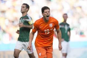 Huntelaar marcó el penal decisivo y desató la locura entre los holandeses.