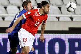 Ricardo Rodríguez es el chileno que defiende la camiseta de Suiza.