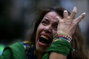 Después del 4-0 de Alemania, los hinchas de Brasil estallaron en llanto.