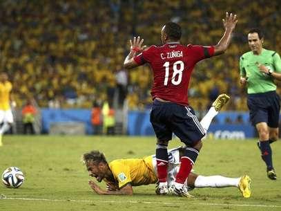 camilo zuñiga neymar