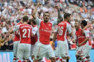 Cazorla, Ramsey y Giroud le dieron la Comunity Shield al Arsenal.