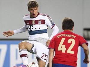Thomas Müller fue el encargado de canjear una dudosa falta penal por gol.