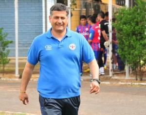 Ronald Fuentes actual entrenador que llevó a Iberia a la Primera B