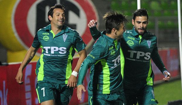 Roberto Gutiérrez abrió la cuenta para Santiago Wanderers.