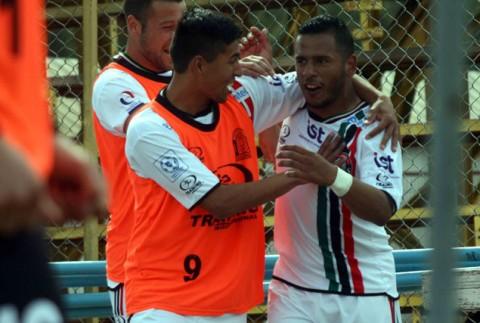 Lota ganó 1-0 a Copiapó y consiguió su primer triunfo en el campeonato.