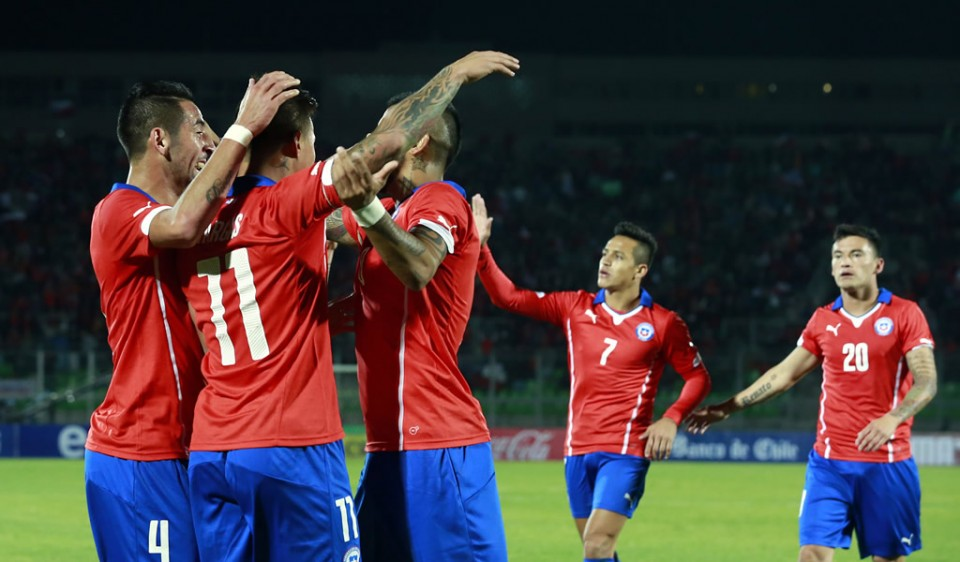 Charles Aránguiz y Arturo Vidal anotaron para Chile.