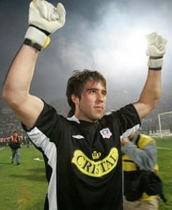Después de la final del 2006 Claudio Bravo marchó a la Real Sociedad de España