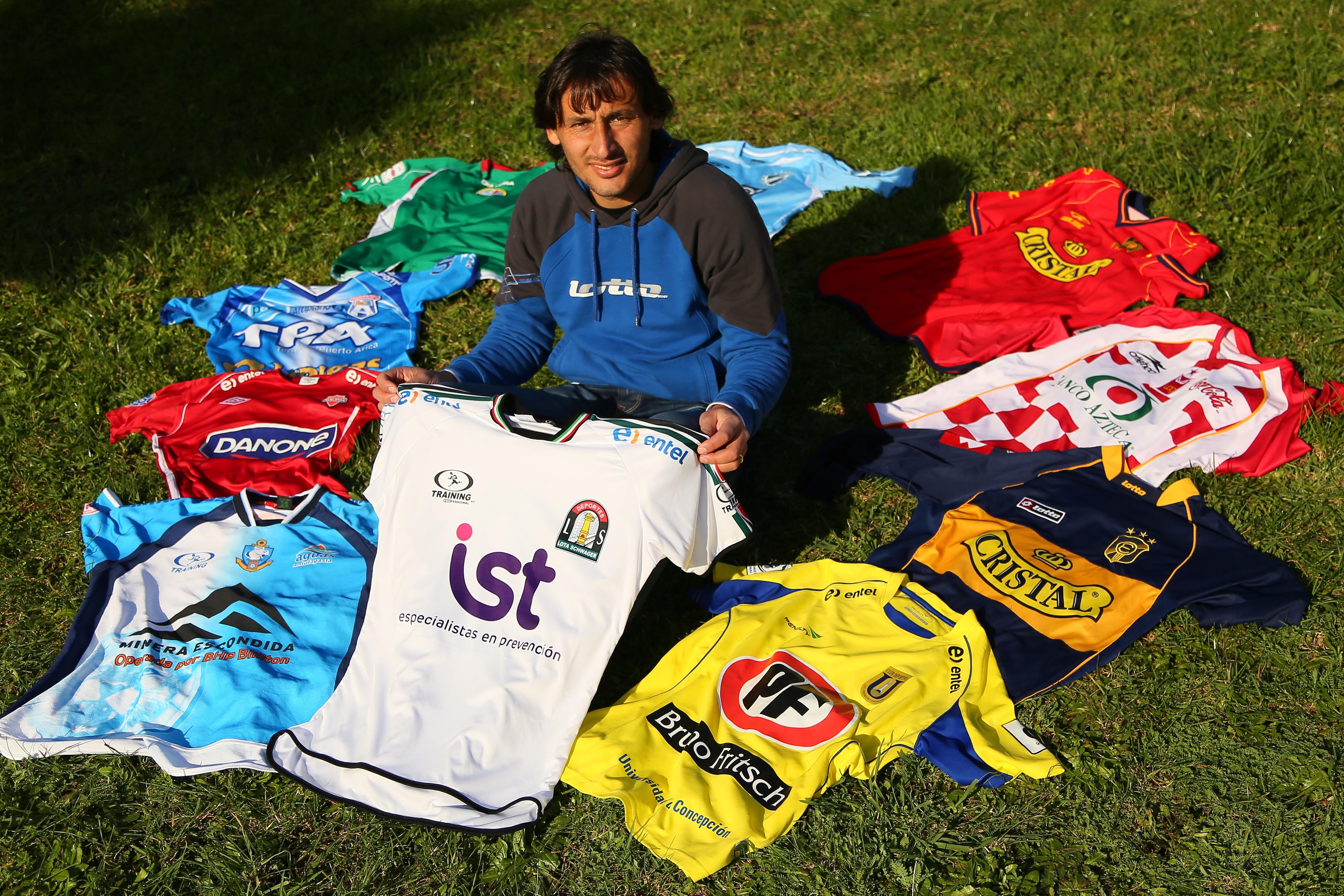 Ramos defendió a once clubes durante toda su carrera. Actualmente, está en Palestino.