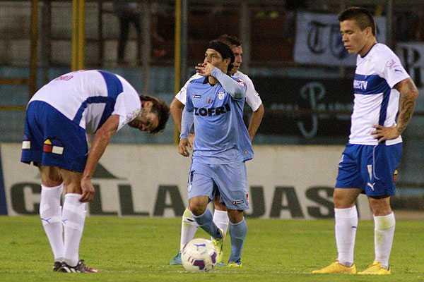 La UC no levanta la hora y perdió sobre la hora en el debut del Pato Hormazábal