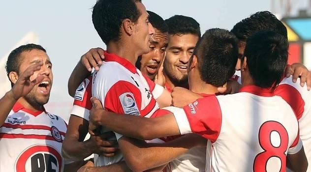 San Felipe quedó a un punto de San Luis luego de golear 6-0 a Copiapó en el norte.
