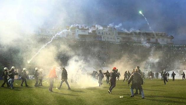Grecia suspende el fútbol indefidamente.