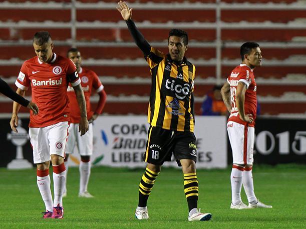 the-strongest inter de porto alegre aranguiz