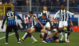Carlos Carmona se fue expulsado en el 0-0 del Atalanta.