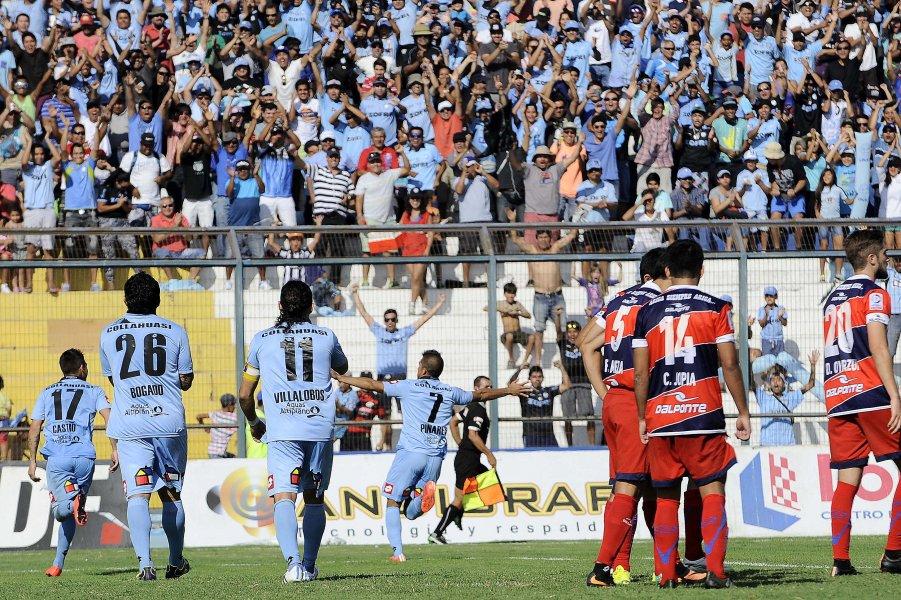 Francisco Castro, Manuel Villalobos, Cesar Pinares y Rafael Caroca fueron los goleadores de la victoria de los dragones celestes.