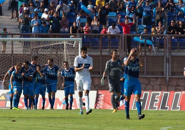 Diego Oyarzún y Leonardo Ramos en dos oportunidades fueron los goleadores en el Carlos Dittborn.