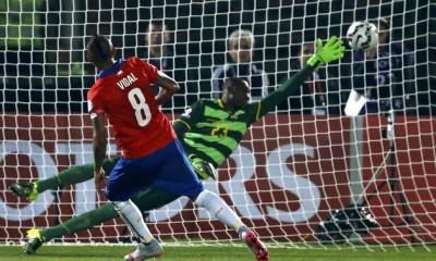 Vidal anotó el gol que relajó a Chile. Vargas puso la sentencia.