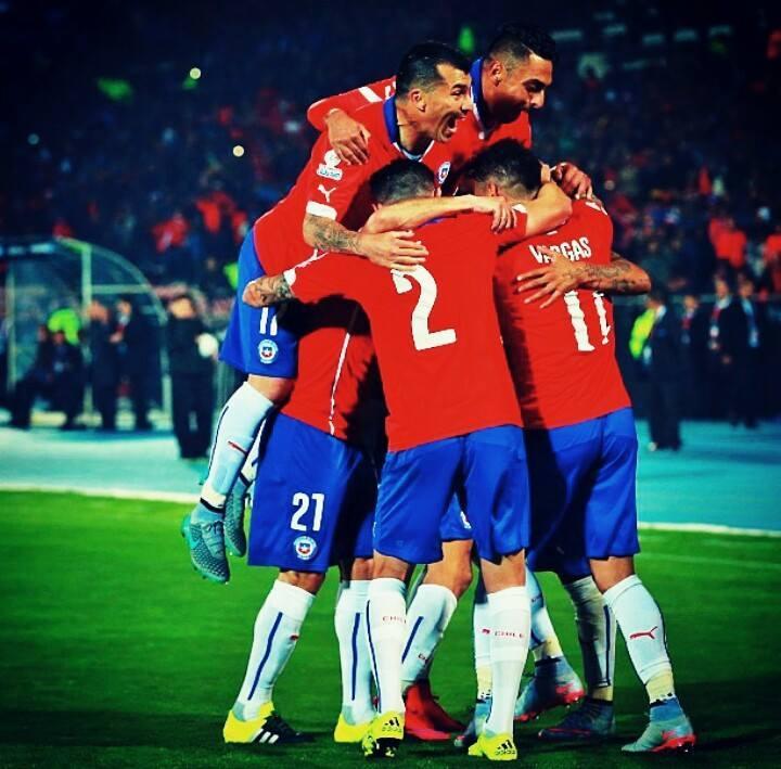 Chile debut con victoria en su copa am rica for Esteban paredes wallpaper