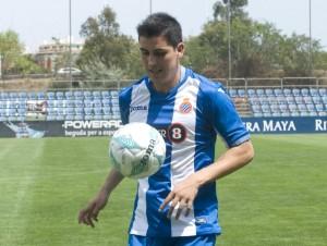 Enzo Roco dio un salto grande en su carrera. El central se convirtió en refuerzo del Espanyol.
