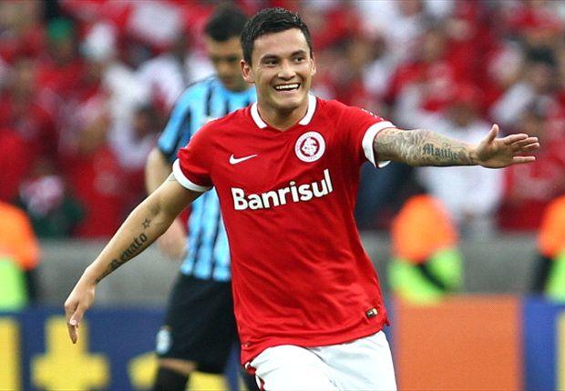 Aranguiz quiere partir a Alemania, pero en Brasil no les conviene esa oferta.
