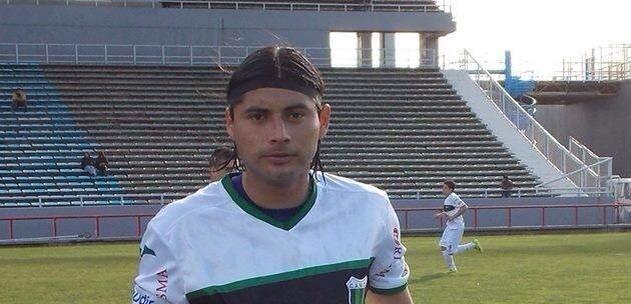 Mauricio Arias juega en el Nueva Chicago.