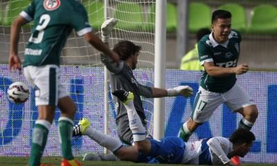 Álvaro Ramos puso el empate en Valparaíso. El ariete esta a préstamo en la quinta región.
