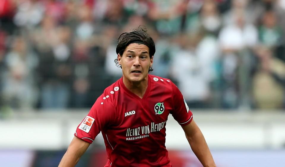 Miiko Albornoz continuará en el Hannover 96.