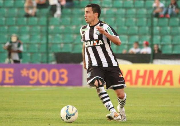 Roberto Cereceda milita en el Figueirense de Brasil.